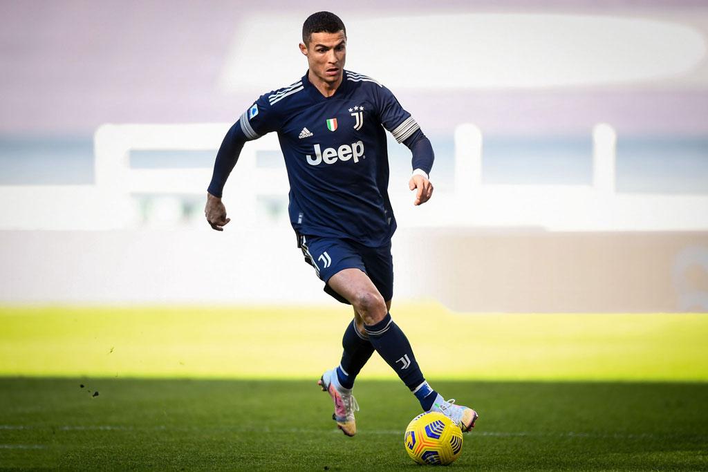 Tiền đạo: Cristiano Ronaldo (Real Madrid, Juventus).