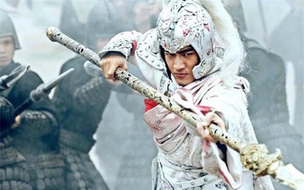 Không phải Quan Vũ hay Triệu Vân, đây mới là nhân vật sở hữu vũ khí hủy diệt khủng khiếp nhất trong Tam Quốc Diễn Nghĩa - Ảnh 2.