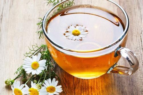 Dùng trà hoa cúc như thế nào để an toàn cho sức khỏe người dùng?