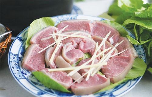 Những người không nên ăn thịt dê gồm bệnh nhân bị viêm gan