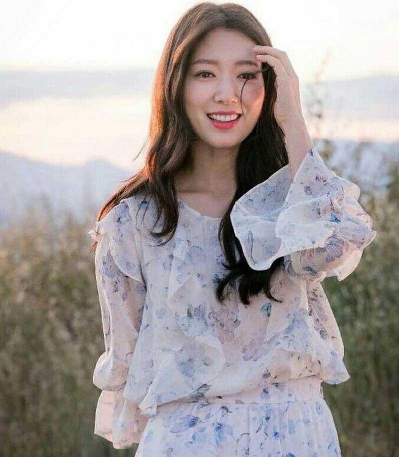 8. Park Shin-hye - 2.427 lượt bình chọn.