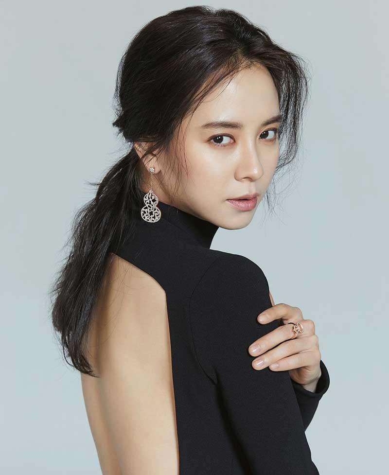9. Song Ji-hyo - 1.897 lượt bình chọn.