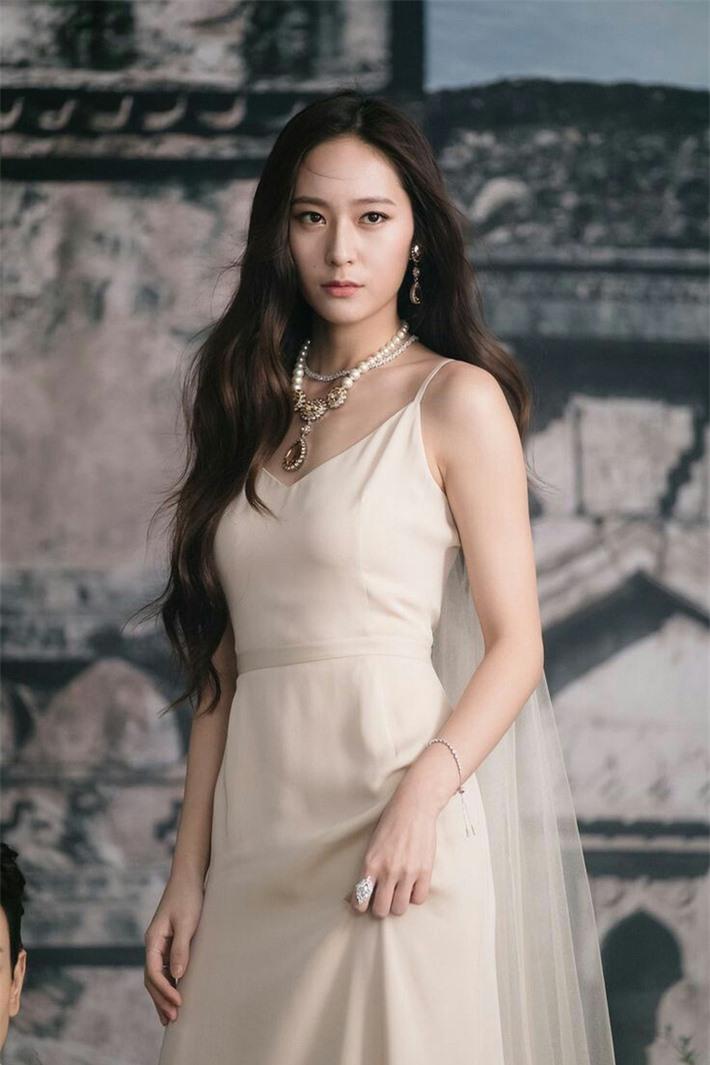 Top 10 mỹ nhân Hàn có sức ảnh hưởng nhất trên MXH Trung Quốc: Song Hye Kyo bất ngờ về cuối, Son Ye Jin vắng mặt dù công khai hẹn hò Hyun Bin - Ảnh 8.