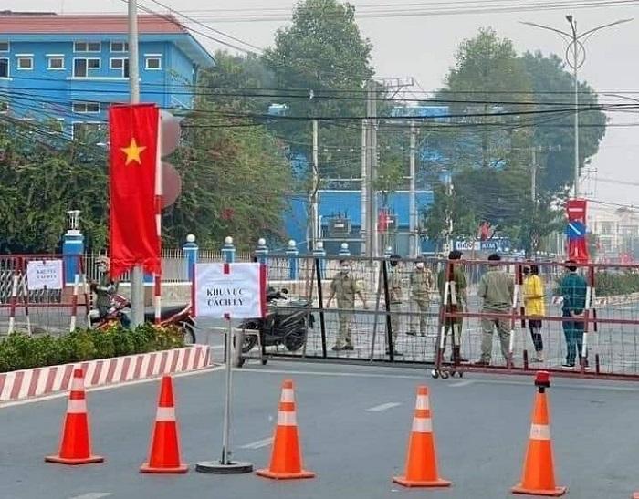 Khu vực Đại học Thủ Dầu Một bị cách ly sau khi ghi nhận nữ sinh viên trường này dương tính với Covid-19.