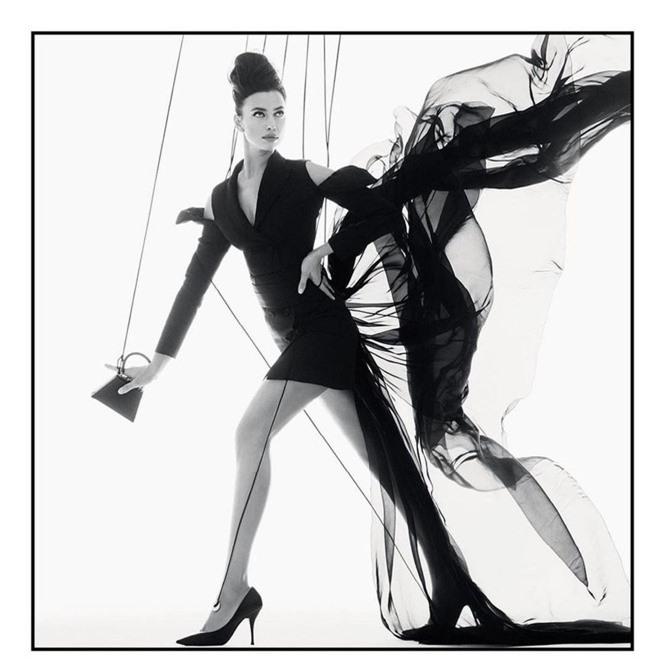 Siêu mẫu Nga Irina Shayk khoe chân dài miên man  - ảnh 3