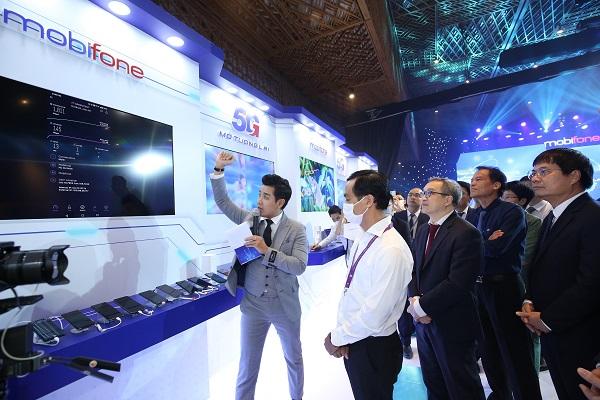 Việt Nam trở thành nước thứ 5 trên thế giới làm chủ công nghệ 5G, sản xuất được thiết bị hạ tầng 5G, sản xuất được điện thoại 5G.