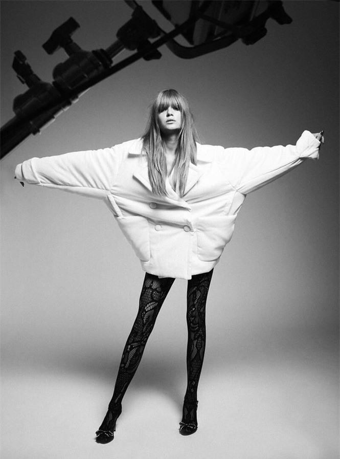 Siêu mẫu Đan Mạch quá đỗi gợi cảm với chân dài miên man - ảnh 15