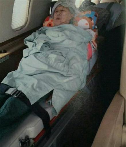 Than thở nghèo không có tiền, Trịnh Sảng bị bóc phốt nói dối: Đưa đón người thân bằng hẳn phi cơ, limousine đắt tiền - Ảnh 4.