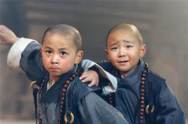 Thích Tiểu Long và Hác Thiệu Văn ôm hôn thắm thiết, hội ngộ sau 27 năm - Ảnh 7.