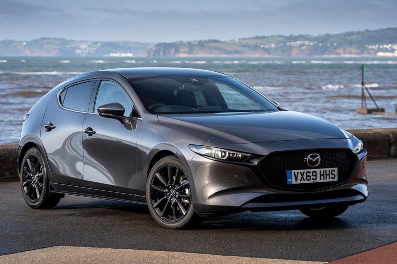 1. Mazda3 2020 (điểm tổng thể: 8,5/10, giá khởi điểm: 21.500 USD).