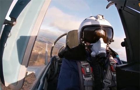 Bao My: Su-35 rat manh nhung ten lua kem AIM-120