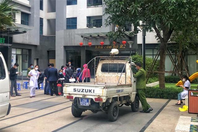 Hà Nội phong tỏa tòa nhà ở Goldmark City vì có người ngoại quốc tử vong - 1