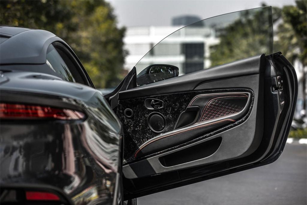 Aston Martin DBS Superleggera gia 1 trieu USD tai Thai Lan anh 10