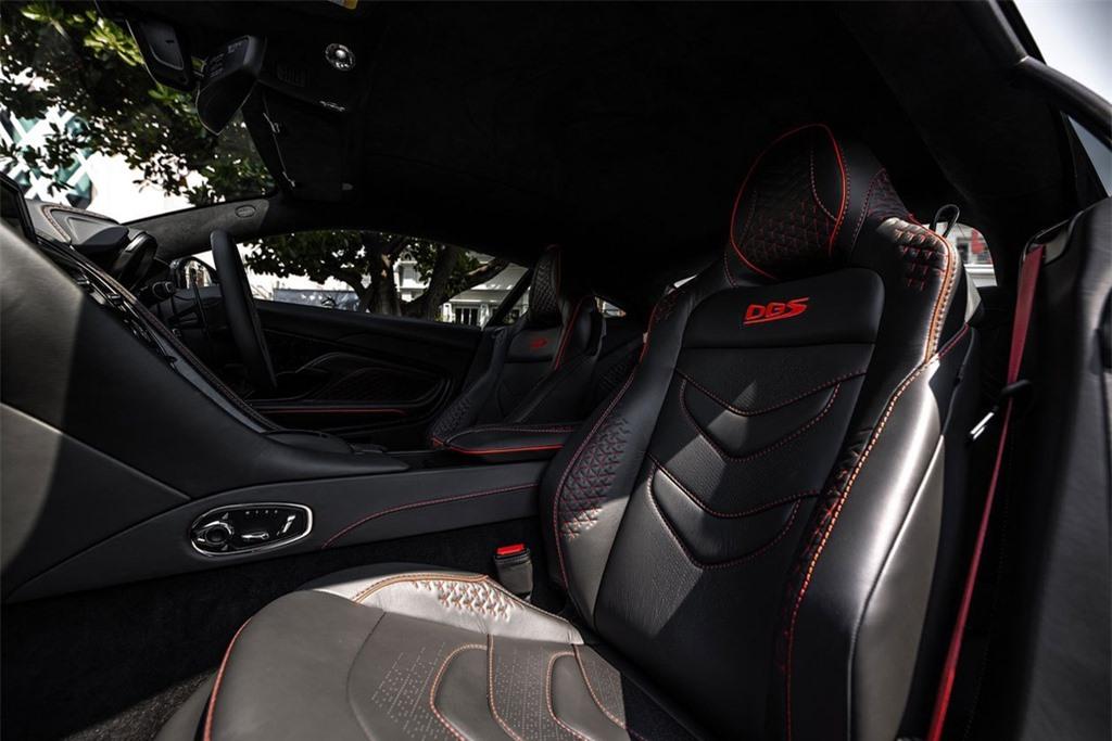 Aston Martin DBS Superleggera gia 1 trieu USD tai Thai Lan anh 12