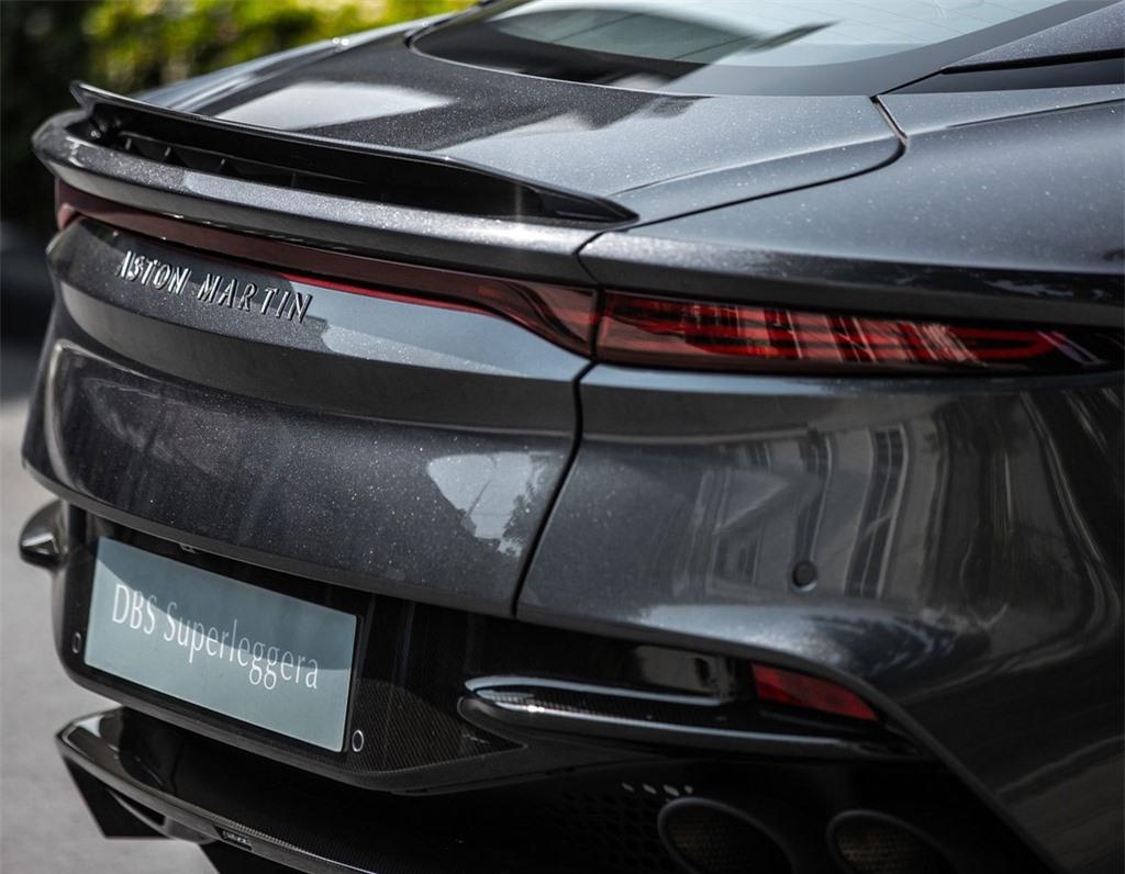 Aston Martin DBS Superleggera gia 1 trieu USD tai Thai Lan anh 6