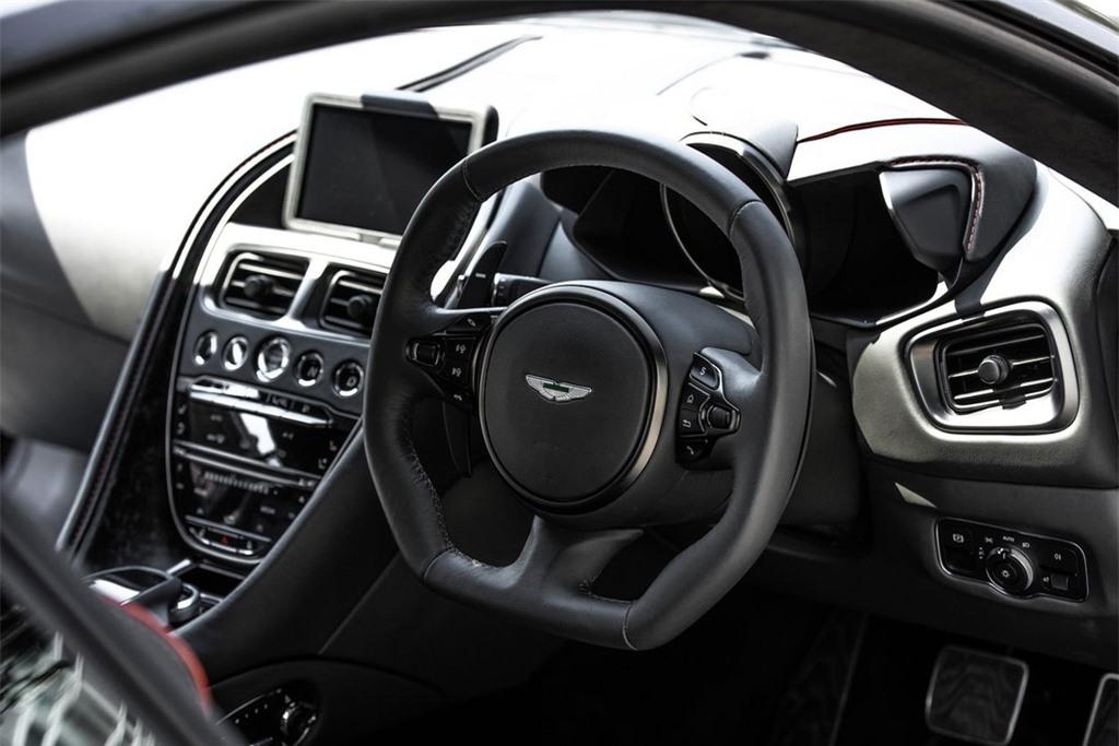 Aston Martin DBS Superleggera gia 1 trieu USD tai Thai Lan anh 8