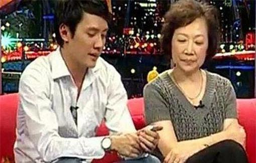 Sau loạt tin đồn ly hôn cùng Phùng Thiệu Phong, mối quan hệ thực sự giữa Triệu Lệ Dĩnh và mẹ chồng cũng được tiết lộ? - Ảnh 2.