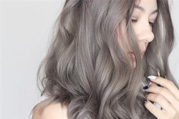 Tóc màu nâu lạnh: Xu hướng mới của năm 2021