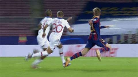 Trọng tài không sai khi thổi 11m cho Barca ở trận gặp PSG