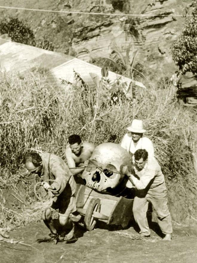 Kỳ bí những hộp sọ khổng lồ ở thung lũng Chết ảnh 3