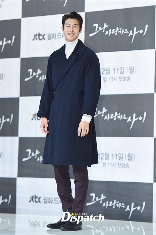 """6 """"người khổng lồ"""" Kbiz: Lee Kwang Soo dìm cả dàn sao, nam thần cao nhất Kpop gây sốt, """"há mồm"""" khi kéo đến sao Knowing Bros - Ảnh 12."""