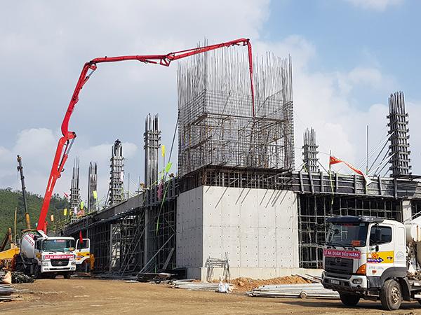 Cán bộ, công nhân Trungnam Group và các nhà thầu đã làm việc xuyên Tết Nguyên đán tân Sửu 2021 để xây dựng 5 nhà máy tại Danang IT Park nhằm kịp thời đáp ứng đơn hàng của các đối tác tại Thung lũng Silicon (Mỹ)