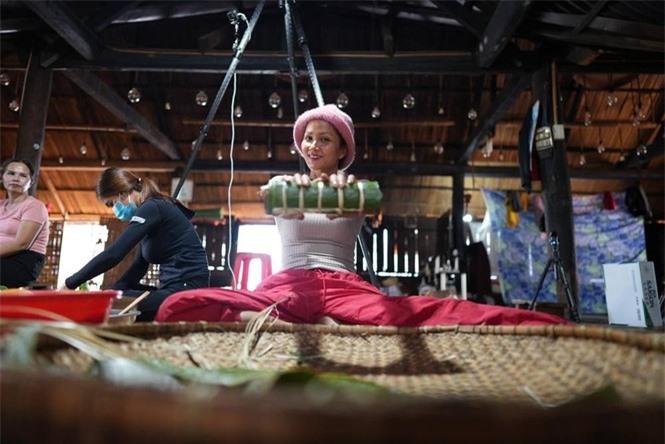 Sao Việt ở quê ăn Tết, bình dị khó nhận ra - ảnh 10