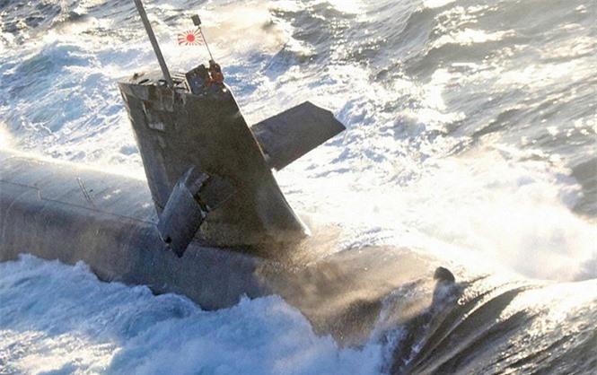 Tàu ngầm tấn công Nhật Bản đã hư hại như thế nào khi đâm vào tàu buôn có kích thước gấp 17 lần - ảnh 1