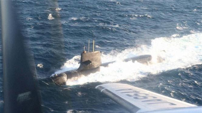 Tàu ngầm tấn công Nhật Bản đã hư hại như thế nào khi đâm vào tàu buôn có kích thước gấp 17 lần - ảnh 2