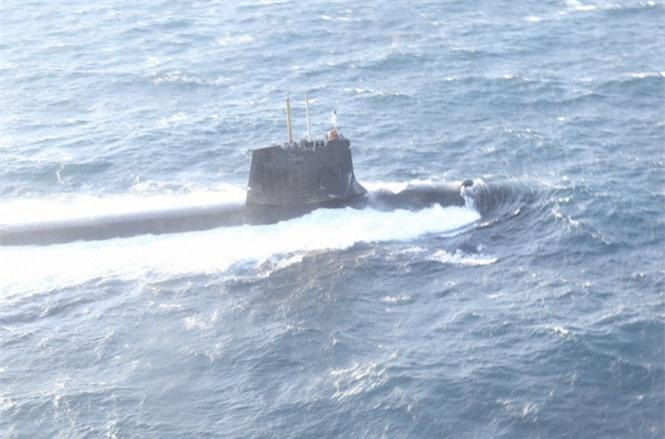 Tàu ngầm tấn công Nhật Bản đã hư hại như thế nào khi đâm vào tàu buôn có kích thước gấp 17 lần - ảnh 3