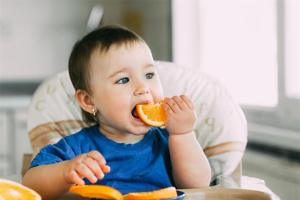 Trẻ em ăn bao nhiêu trái cây một ngày thì đủ?