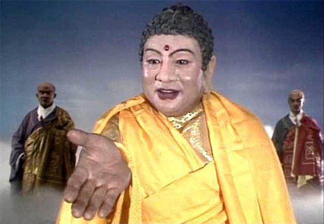 Tuổi 82, 'Phật Tổ' Chu Long Quảng vui thú điền viên bên con cháu
