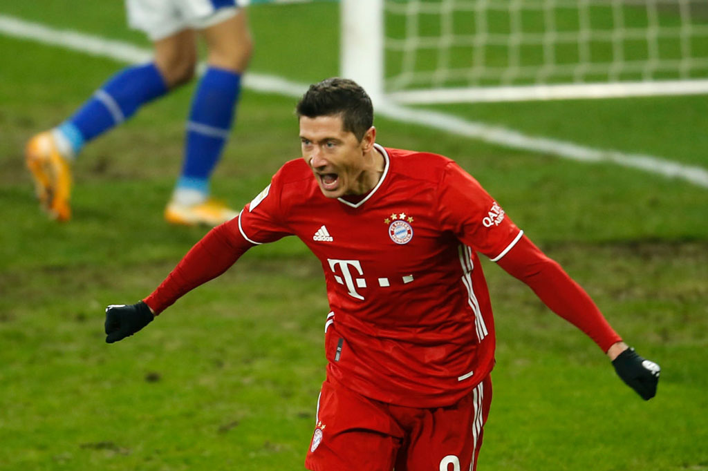 1. Robert Lewandowski (Bayern Munich /ĐT Ba Lan).