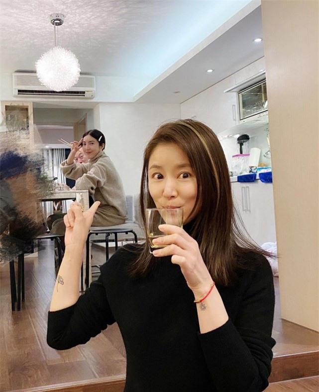 Lâm Tâm Như gây xôn xao vì hình ảnh mới giữa lúc dính tin đồn bị Hoắc Kiến Hoa đuổi khỏi nhà để ngoại tình với em họ - Ảnh 2.