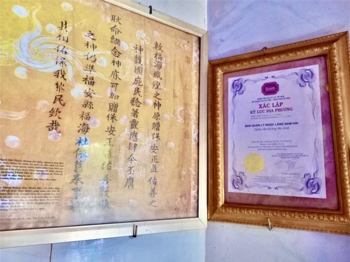 Nghĩa địa độc nhất ở Việt Nam - Ảnh 10.