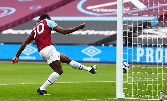 Antonio mở tỷ số trận đấu
