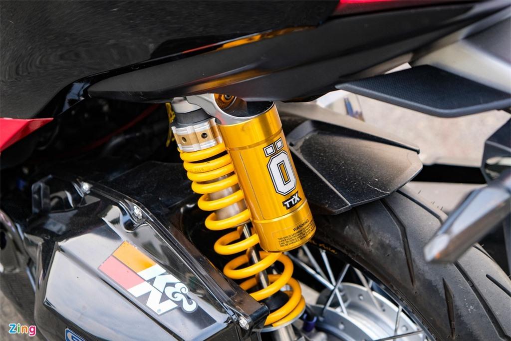 Honda Click duoc do den bat doi xung tai TP.HCM anh 13