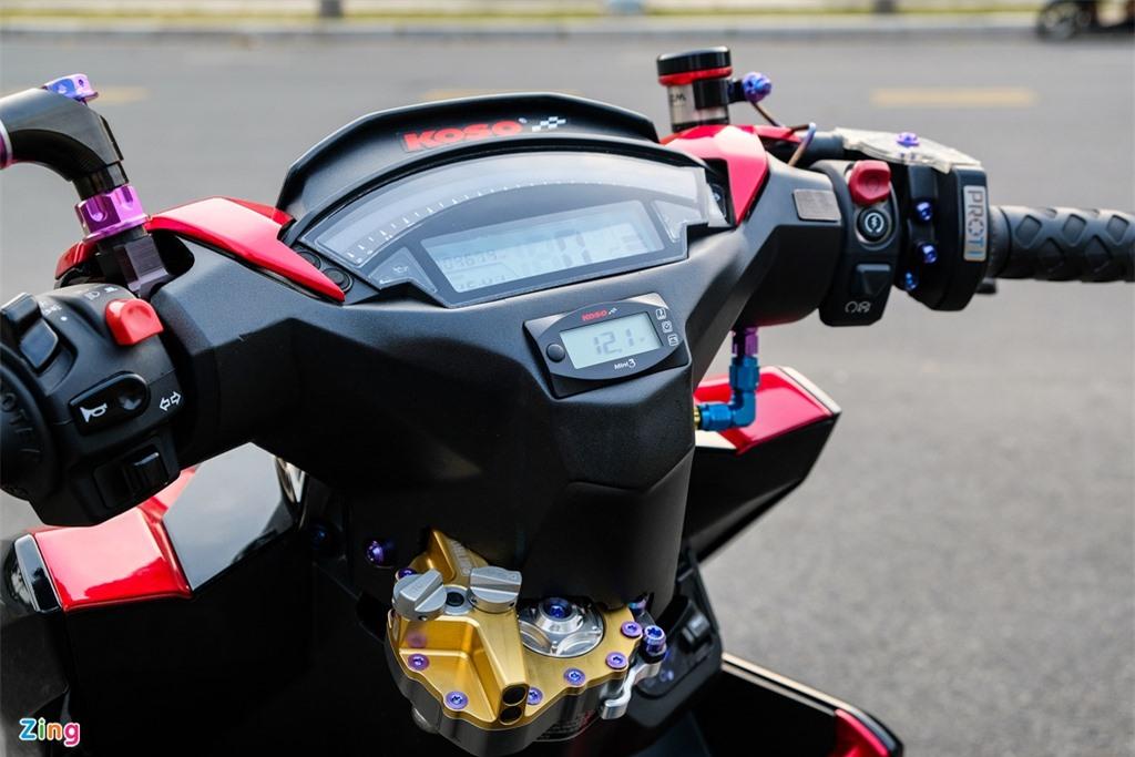 Honda Click duoc do den bat doi xung tai TP.HCM anh 9