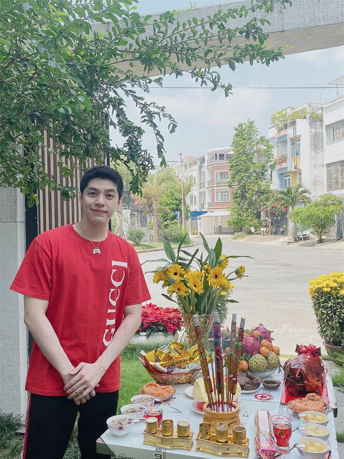 Sao Việt ồ ạt khoe mâm cúng hoành tráng ngày vía Thần Tài - Ảnh 5.
