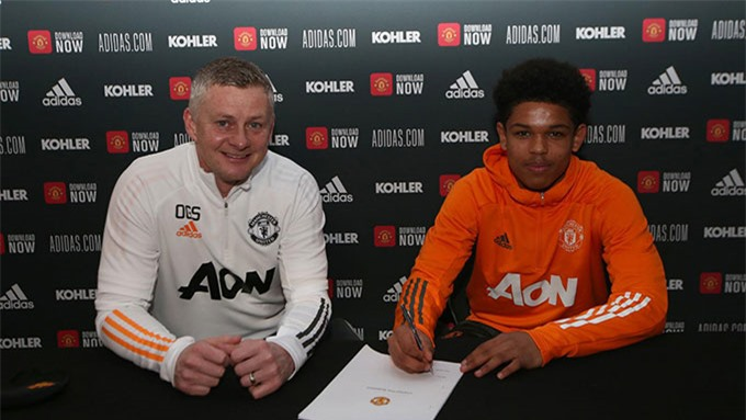 Shoretire mới ký hợp đồng chuyên nghiệp với Man United
