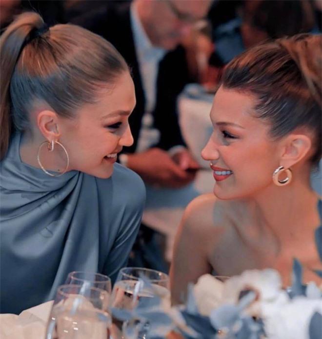 Bà mẹ đặc biệt của cặp chị em người mẫu hot nhất Hollywood Bella - Gigi Hadid: Từ siêu mẫu thành vệ sĩ, stylist kiêm paparazzi cho con - Ảnh 15.