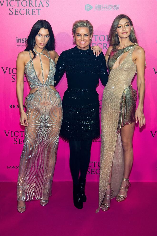 Bà mẹ đặc biệt của cặp chị em người mẫu hot nhất Hollywood Bella - Gigi Hadid: Từ siêu mẫu thành vệ sĩ, stylist kiêm paparazzi cho con - Ảnh 19.