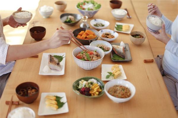 Chế độ ăn giúp cơ thể mảnh mai và sống lâu như người Nhật