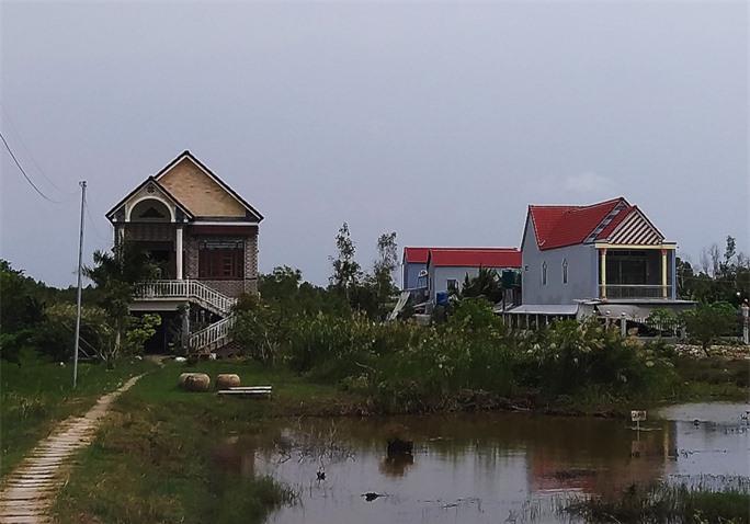 """Độc đáo nhà """"cao cẳng"""" ở vùng cực Nam Tổ quốc - Ảnh 8."""