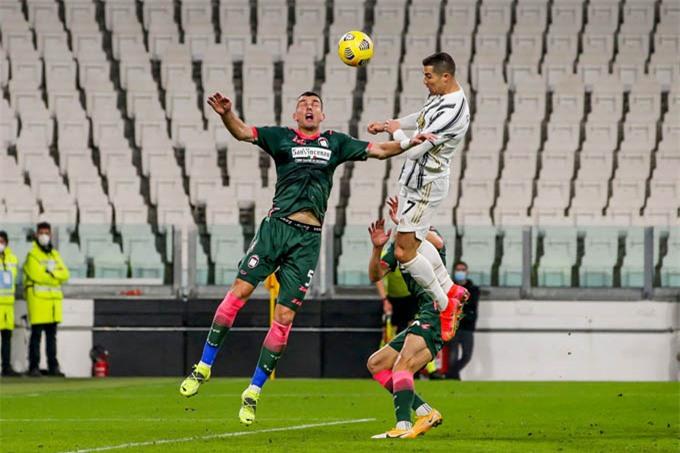 Ronaldo lại tỏa sáng để giúp Juventus có được 3 điểm