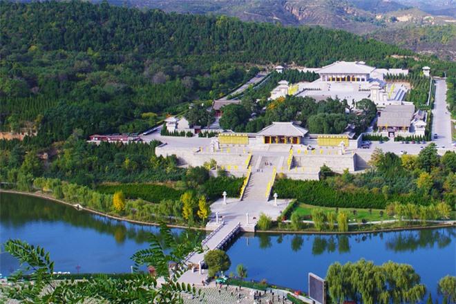 Phong thủy trong các lăng mộ hoàng đế Trung Hoa: Xây dựng ra sao để vương triều bền vững? - Ảnh 1.