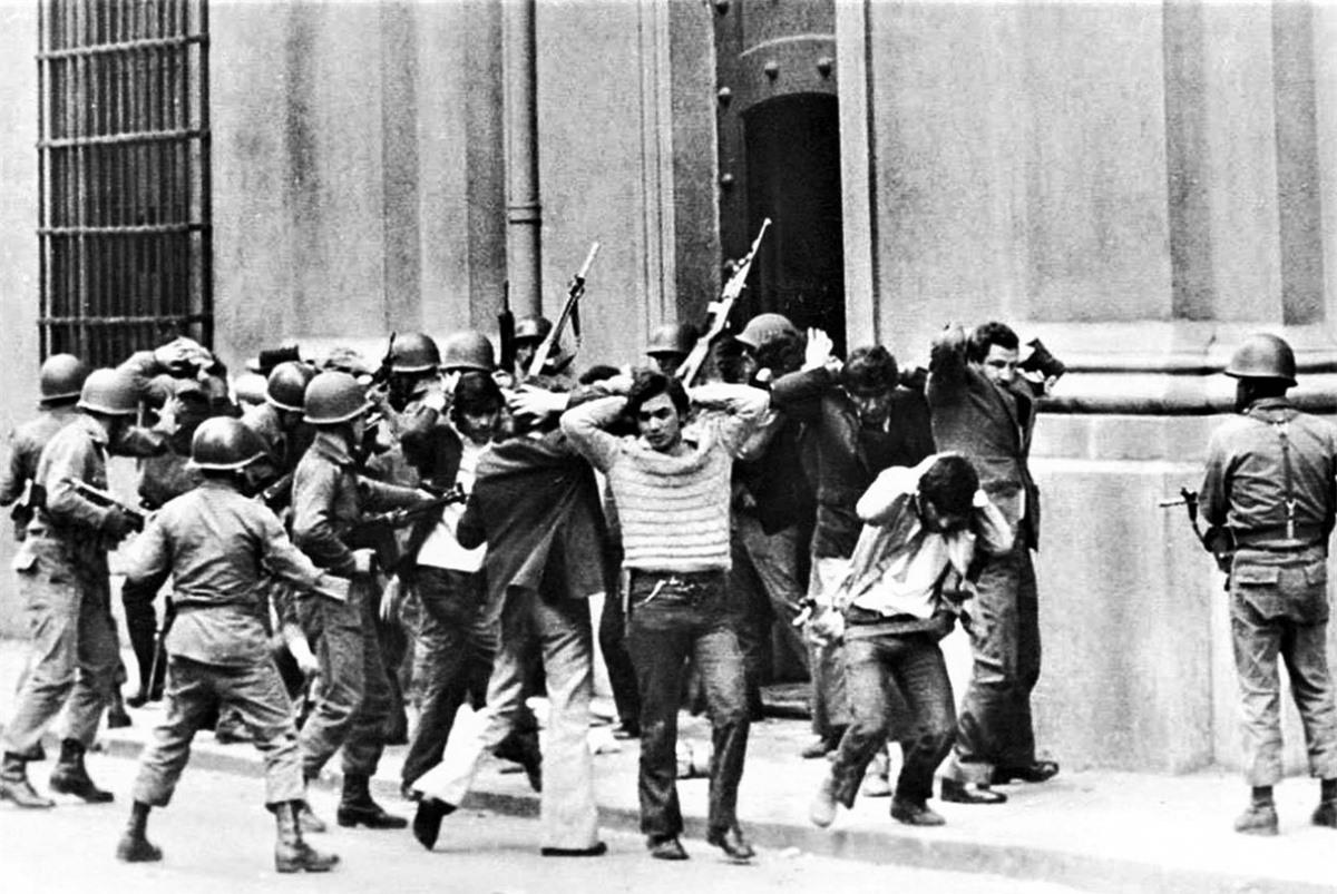 Các hành động tàn bạo của chế độ độc tài Pinochet bị vạch mặt trước dư luận quốc tế. Nguồn: RBTH