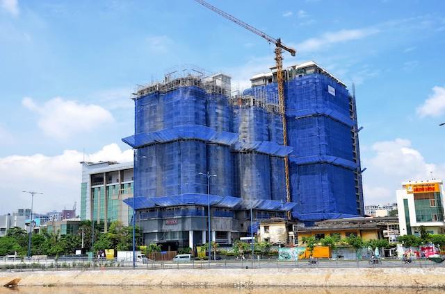 Nhiều chủ doanh nghiệp địa ốc cho biết, thủ tục làm dự án là cơn 'ác mộng' với doanh nghiệp bất động sản.