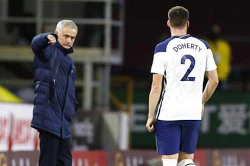 'Bản hợp đồng của Mourinho' sắp bị bán
