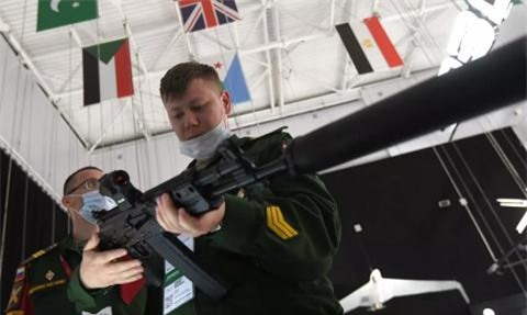 Bao My chimucdichcua Nga voi vu khi chuan NATO